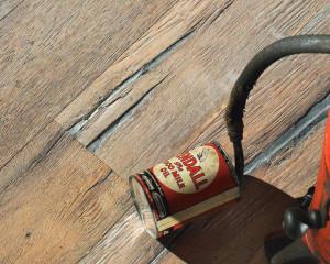 pavimento legno effetto scavato