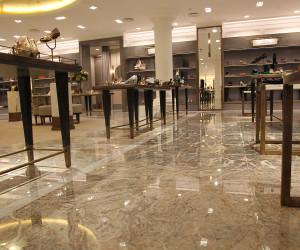 Pavimento-rivestimento in marmo